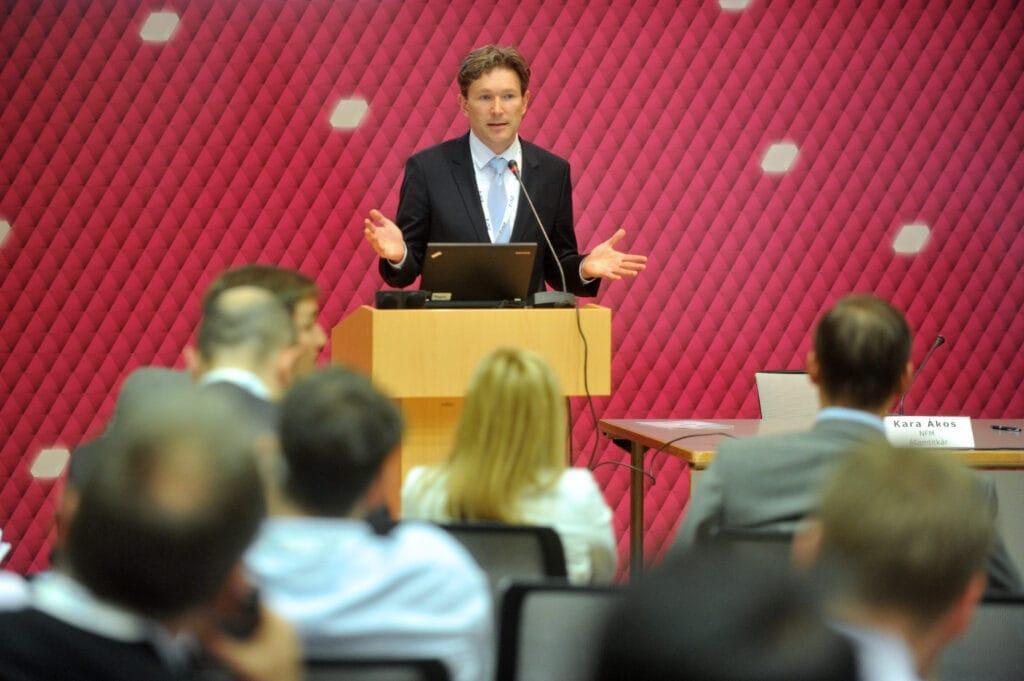 Jakab Roland, az IVSZ digitális transzformációért felelős alelnöke