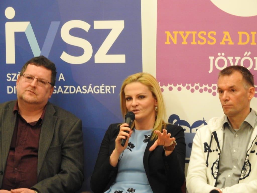 Bánhegyi Zsófia, a Magyar Telekom Csoport Kommunikációs igazgatója.
