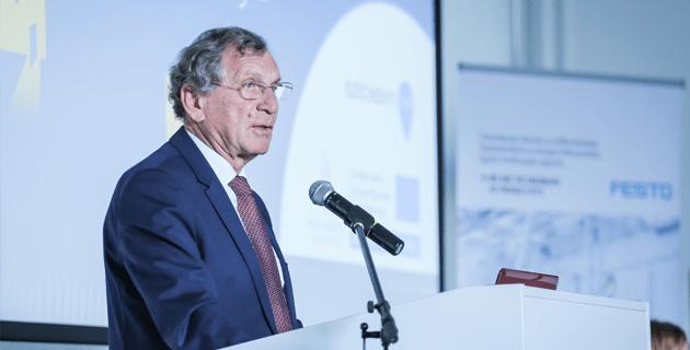 Lepsényi István gazdaságfejlesztésért és – szabályozásért felelős államtitkár (NGM)