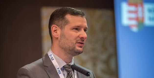 dr. Kovács László, a Közbeszerzési Hatóság főtitkára