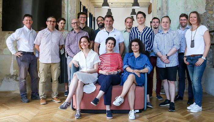 A Maker's Red Box csapata